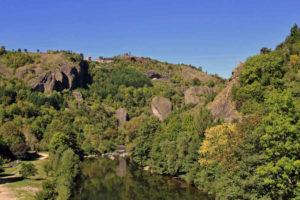 Les gorges de l'Allier à Monistrol-d'Allier sur le chemin de Compostelle