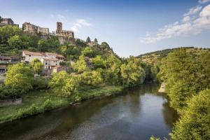 Randonnée Alti'Ligérienne - village de Chilhac