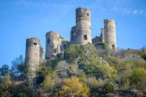 Chemin de Saint Michel GR 300-vue sur le chateau de domeyrat-1200x800