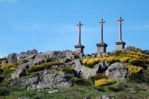 chemin de saint regis GR 430 - calvaire de montregard