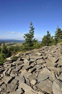 tour-mézenc-gerbier-de-jonc-vue au sommet du mont signon
