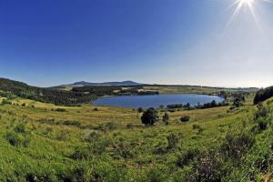 tour-mézenc-gerbier-de-jonc-le lac de saint front