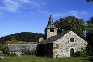 tour volcans velay GR 40 chapelle de Glavenas