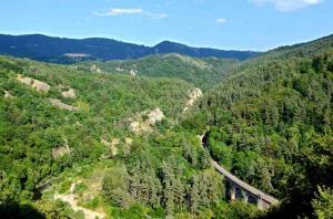 sources gorges allier GR 470 Vue-gorges-Allier
