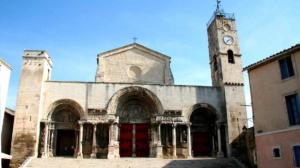 chemin-de-regordane-gr 700-églises saint gilles du gard