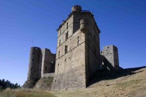chemin-de-regordane-gr 700-chateau-de-porte